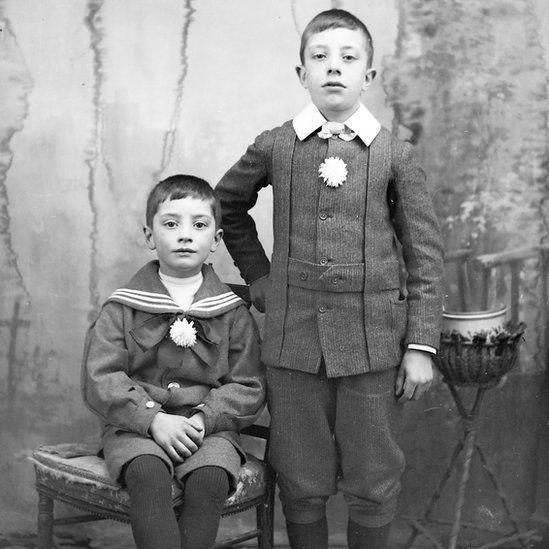 1880-1910 boys