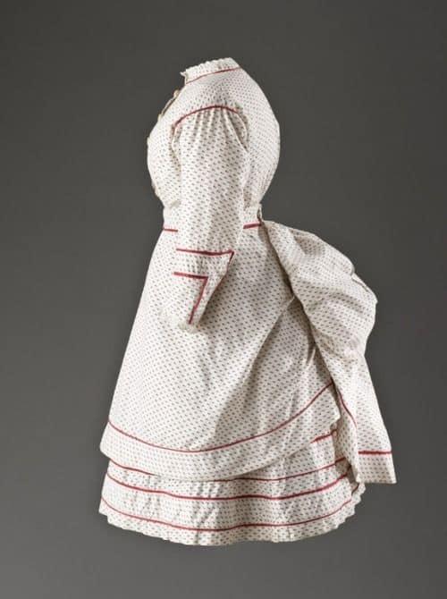 Girl's 1870s dress
