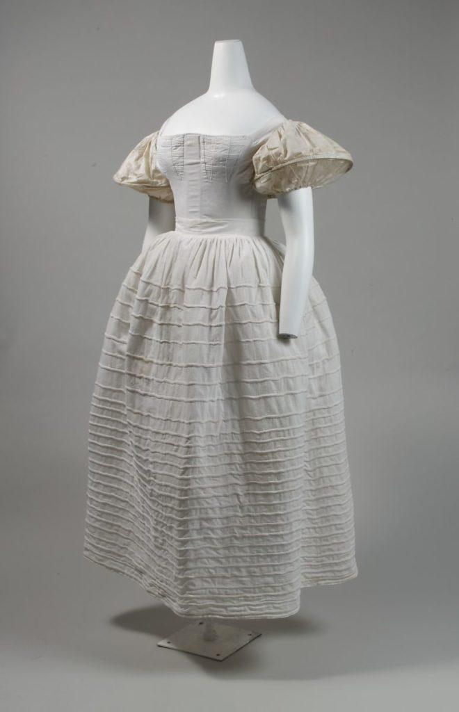 1830s undergarments