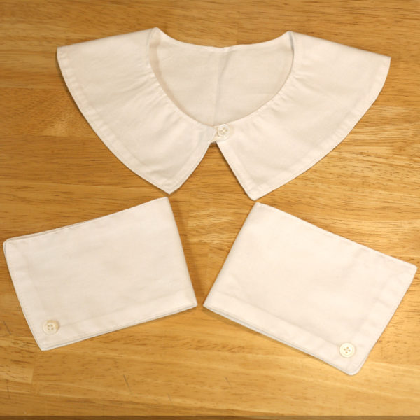 Nurse's collar and cuffs